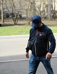 A hearing on the case of Anatoly Zhdanov, a photojournalist of the Kommersant newspaper, about a robbery and obstruction of a journalist's legal activities in the Dorogomilovsky District Court. The situation at the court.