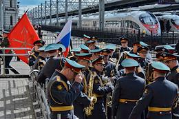 The We are the army of the country! We are the army of the people! campaign at the Moskovsky railway station in St. Petersburg.