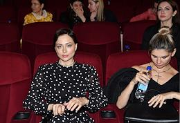 Premiere of the Tell her film at the Khudozhestvenny cinema.