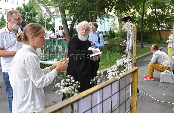 A memorial campaign devoted to all those buried in Sandarmokh was held at the Church of the Life-Giving Trinity in Khokhly. The participants read the names of everyone who was shot in the 1930s in the Karelian tract Sandarmokh.
