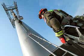 Exercises on the cable car of the units of the Department of Civil Defense and Security at Vorobyovy Gory.