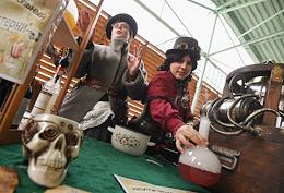 GEEK PICNIC: a family-run science and technology festival on the grounds of the 'Winzavod'.