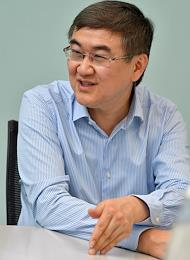 The main owner of Expobank Igor Kim during an interview.