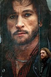 Portrait of Igor Talkov on the transformer box on Liteiny Prospekt.